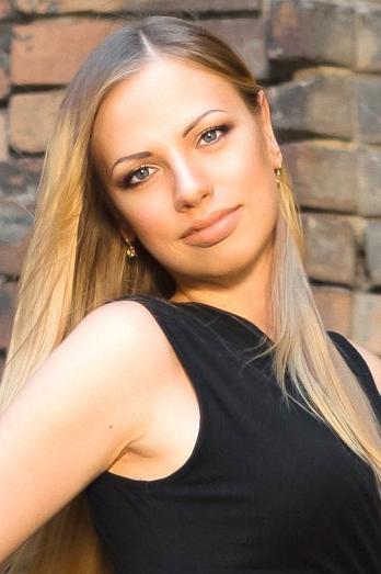 Ukrainian girl Valeriya,24 years old with  eyes and  hair.