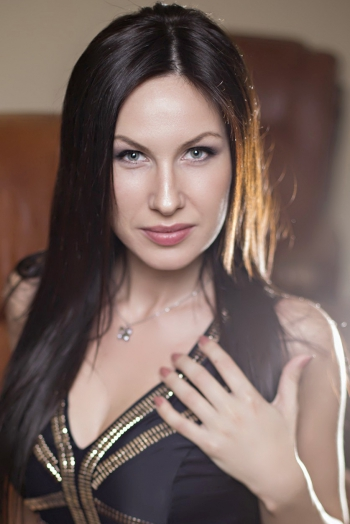 Ukrainian girl Natalia,35 years old with blue eyes and black hair.