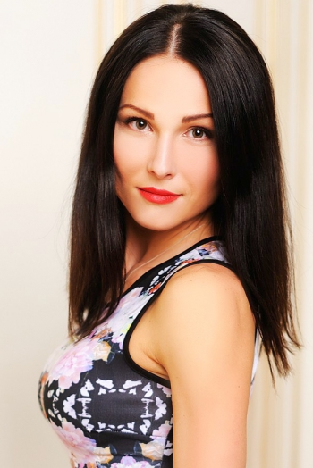 Ukrainian girl Eugenia,32 years old with brown eyes and black hair.