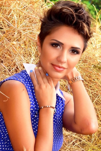 Ukrainian girl Kristina,25 years old with  eyes and  hair.