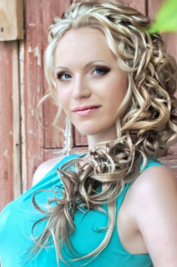 girl Veronika, years old with  eyes and  hair.