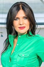 Ukrainian girl Nelly,38 years old with  eyes and  hair.