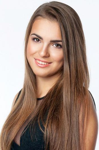 Ukrainian girl Anaida,20 years old with brown eyes and dark brown hair.