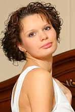 girl Natali, years old with  eyes and  hair.