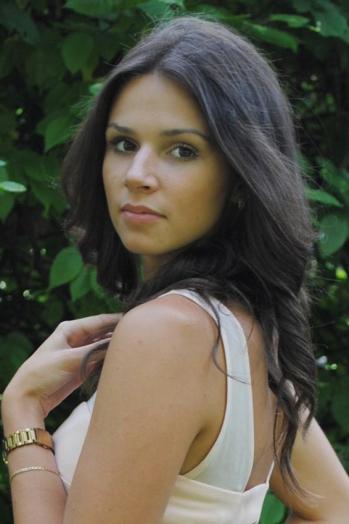 Ukrainian girl Ekaterina,21 years old with brown eyes and dark brown hair.