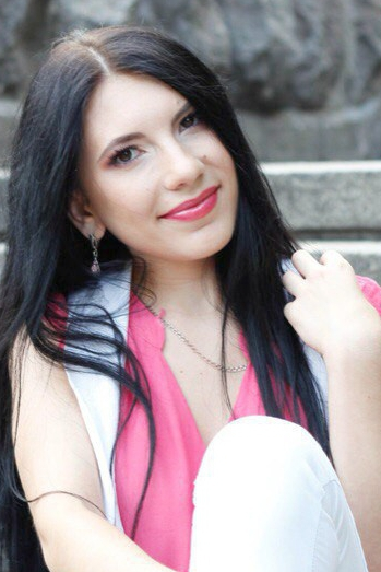 Ukrainian girl Maryna,22 years old with brown eyes and dark brown hair.