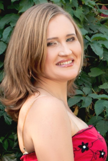 Ukrainian girl Tatyana,33 years old with blue eyes and blonde hair.
