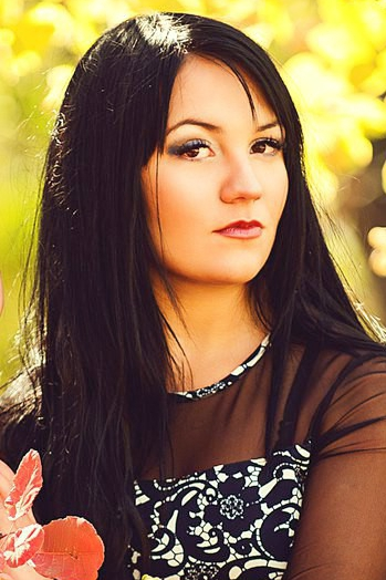 Ukrainian girl Oksana,22 years old with  eyes and  hair.