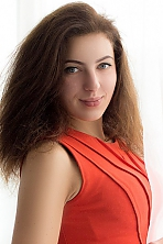 Ukrainian girl Inna,22 years old with grey eyes and dark brown hair.