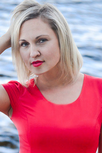 Ukrainian girl Hanna,31 years old with blue eyes and blonde hair.