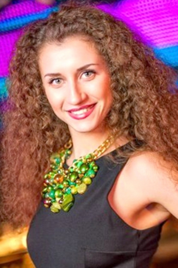 Ukrainian girl Alena,29 years old with grey eyes and light brown hair.