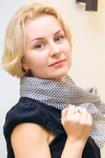 Ukrainian girl Ella,39 years old with  eyes and  hair.