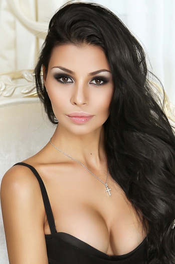 Ukrainian girl Valentina,25 years old with brown eyes and black hair.