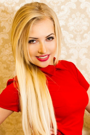 Ukrainian girl Juliia,30 years old with green eyes and blonde hair.