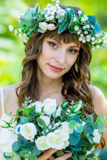 Ukrainian girl Victoria,31 years old with brown eyes and light brown hair.