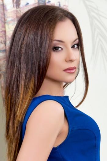 Ukrainian girl Juliya,23 years old with brown eyes and light brown hair.