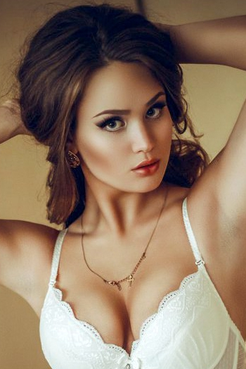 Ukrainian girl Diana,21 years old with green eyes and light brown hair.