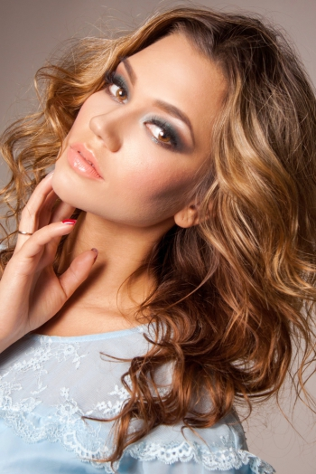 Ukrainian girl Alyona,26 years old with hazel eyes and light brown hair.