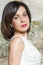 Ukrainian girl Aleftina,33 years old with  eyes and  hair.