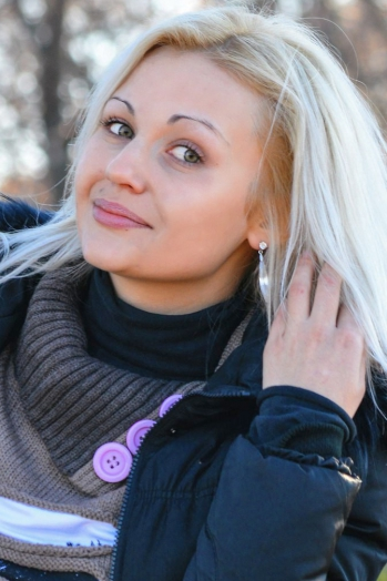 girl Lesya, years old with  eyes and  hair.