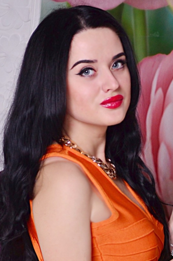 Ukrainian girl Yana,27 years old with blue eyes and black hair.
