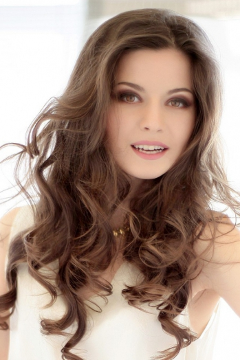 Ukrainian girl Yuliya,28 years old with  eyes and  hair.