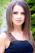 Ukrainian girl Oksana,32 years old with  eyes and  hair.