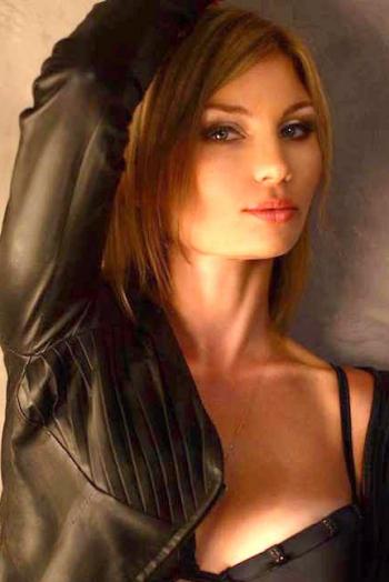 Ukrainian girl Yana,39 years old with grey eyes and light brown hair.