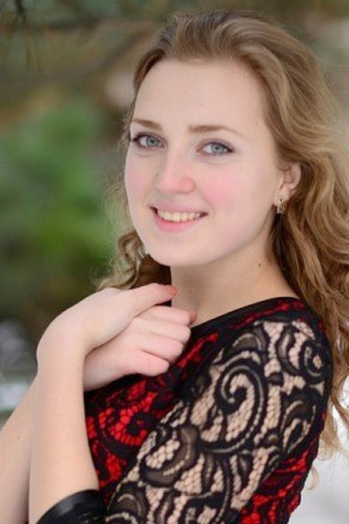 Ukrainian girl Maria ,19 years old with  eyes and  hair.
