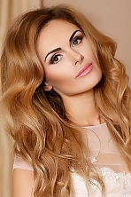Ukrainian girl Evgenia,30 years old with brown eyes and light brown hair.