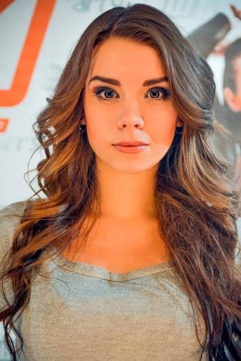 Ukrainian girl Elena,22 years old with brown eyes and dark brown hair.