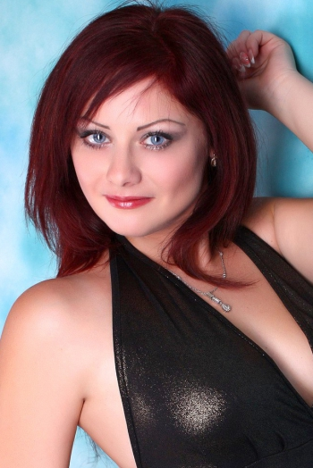 Ukrainian girl Irina,39 years old with  eyes and  hair.