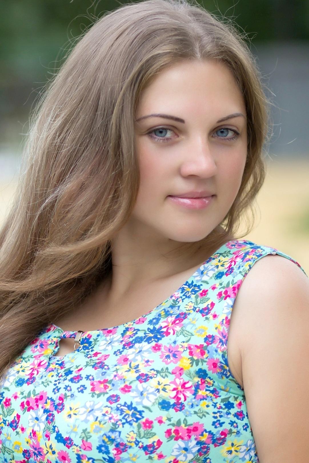Ukrainian girl Juliya,33 years old with blue eyes and blonde hair.