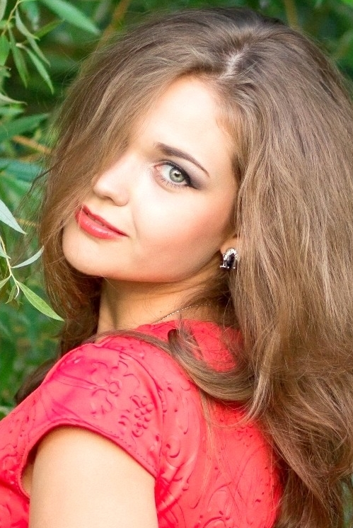 girl Galina, years old with  eyes and  hair.