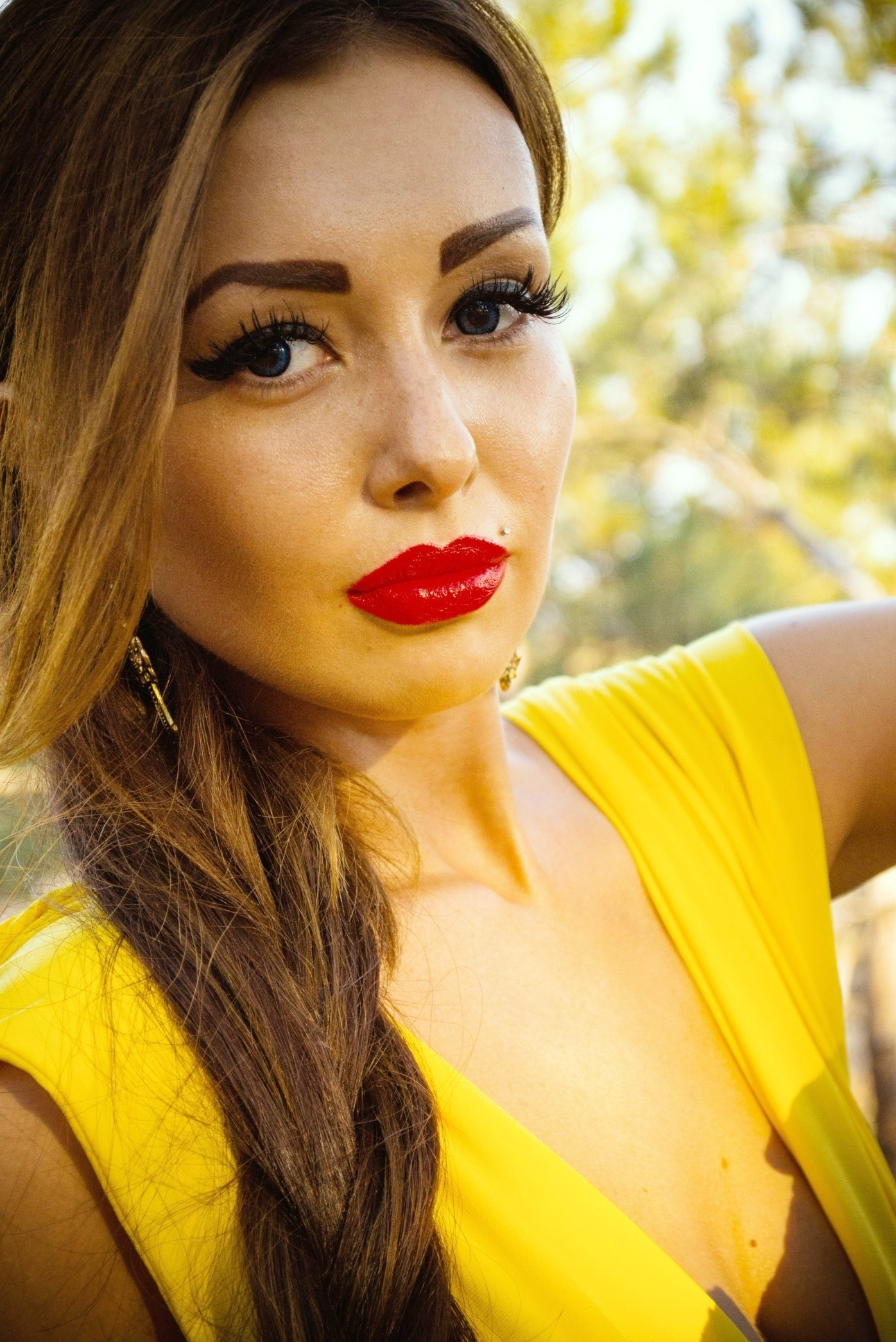 Ukrainian girl Natalia,27 years old with brown eyes and dark brown hair.