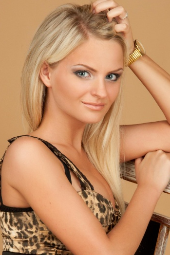 Ukrainian girl Violetta,21 years old with blue eyes and blonde hair.
