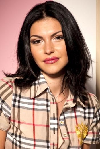 Ukrainian girl Zinaida,26 years old with brown eyes and dark brown hair.