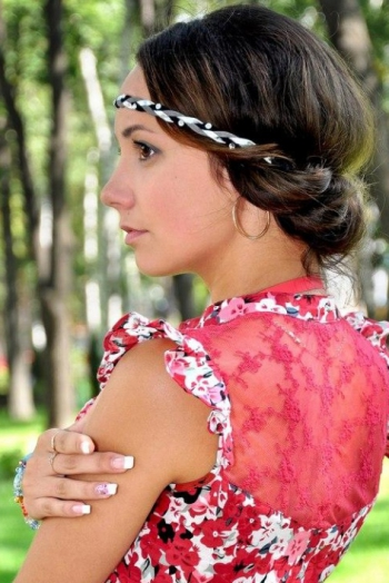 Ukrainian girl Alina,22 years old with brown eyes and dark brown hair.
