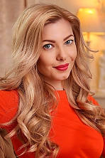 Ukrainian girl Elena,31 years old with green eyes and light brown hair.