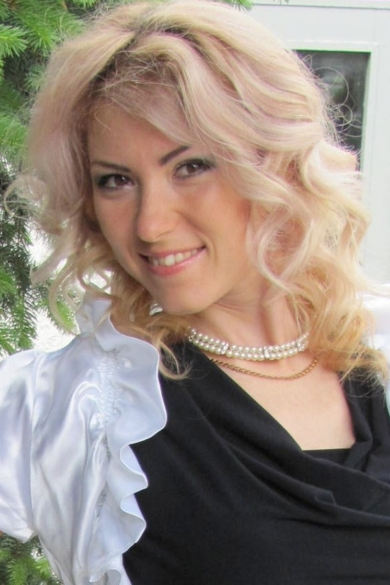 Ukrainian girl Vita,28 years old with brown eyes and blonde hair.