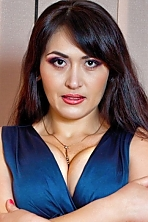 Ukrainian girl Galina,34 years old with hazel eyes and dark brown hair.