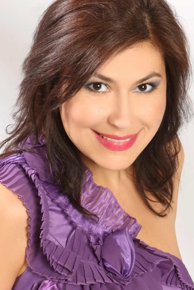 Ukrainian girl Alla,45 years old with brown eyes and light brown hair.