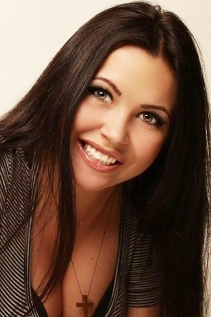 Ukrainian girl Alina,27 years old with green eyes and black hair.