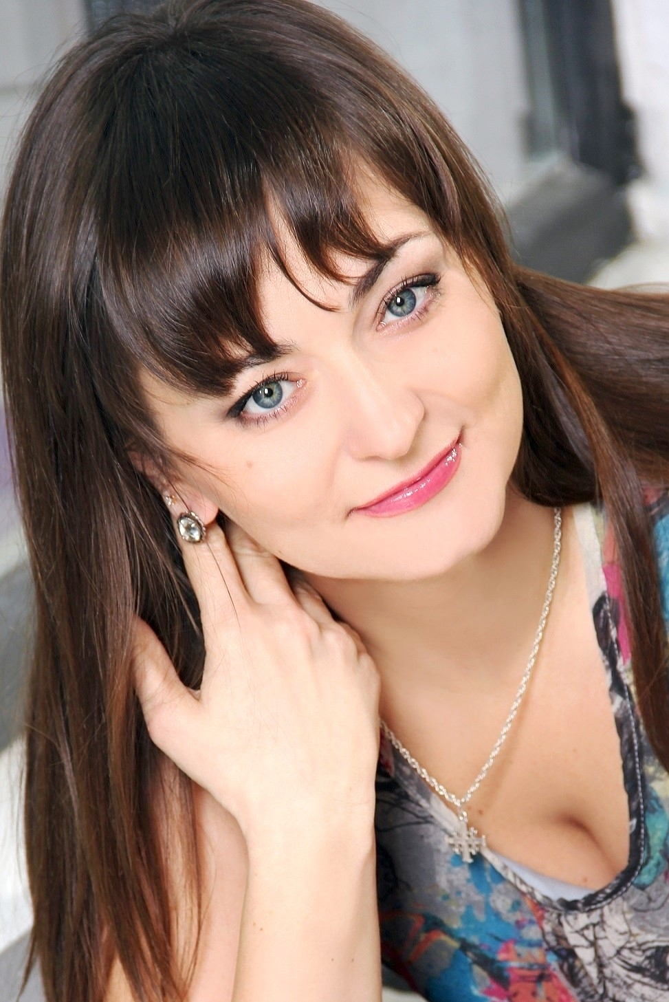 Ukrainian girl Ekaterina,37 years old with blue eyes and dark brown hair.