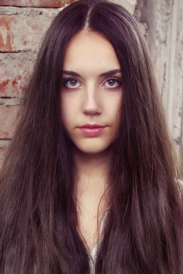 Ukrainian girl Natalia,23 years old with brown eyes and dark brown hair.