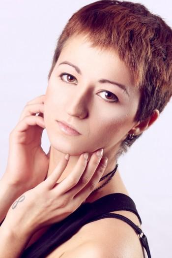 Ukrainian girl Dariya,24 years old with brown eyes and dark brown hair.