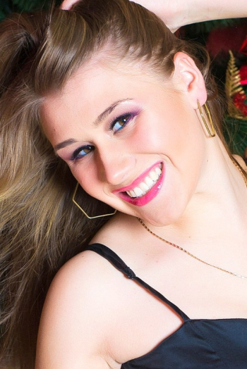 Ukrainian girl Daria,22 years old with brown eyes and blonde hair.