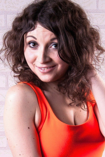Ukrainian girl Victoria,22 years old with brown eyes and black hair.