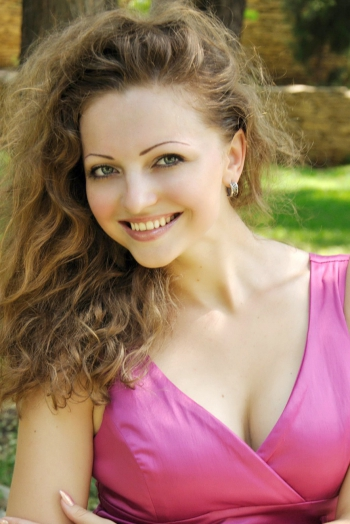 Ukrainian girl Valentina,28 years old with grey eyes and blonde hair.