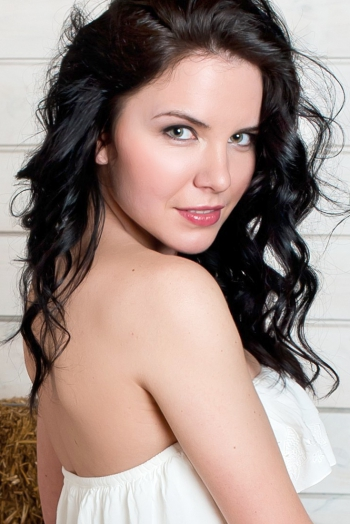 Ukrainian girl Alla,27 years old with green eyes and light brown hair.